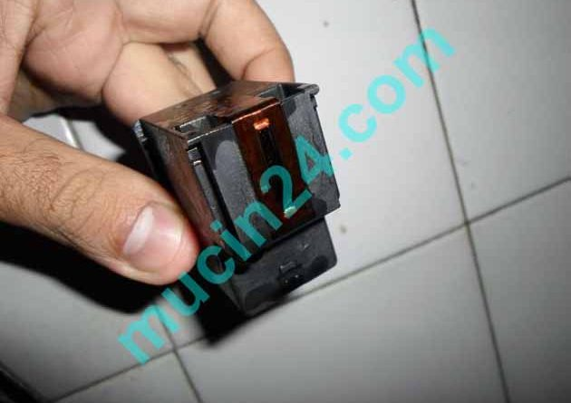 tac dau phun canon 3 630x445 - Máy In Phun HP Deskjet 1115 In Không Ra Mực-Bị Tắc Mực